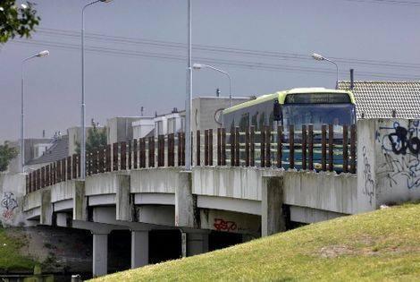 busbrug met bus
