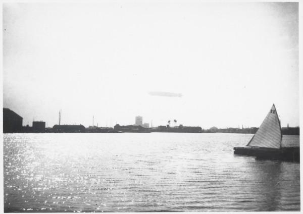 Foto 1 Zeppelin 2138812
