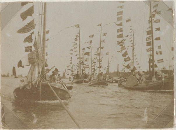 Foto 1 Optocht zeilboten bij molen de grootvorst 2107821