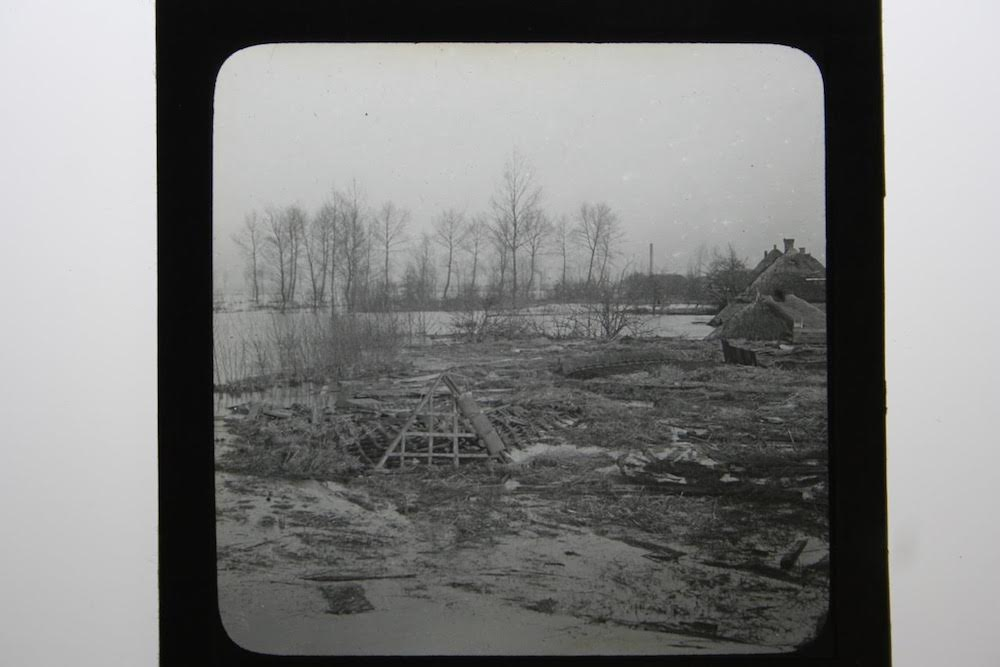 3 C.J. Hofker rieten daken