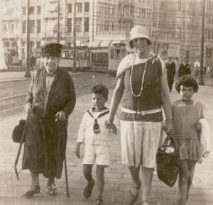 Emma Juchenheim, Rudolf, Selma en Lidy Eisendrath. (Fotocollectie B. Zwart)