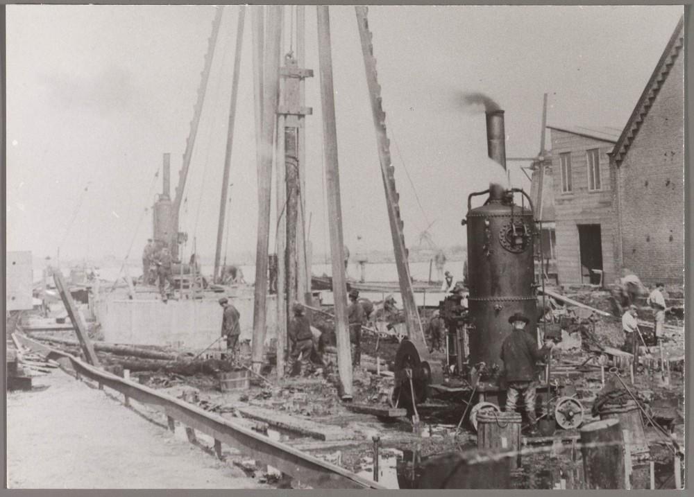 Stoomheimachine bij uitbreiding fabriek 1909 2113433
