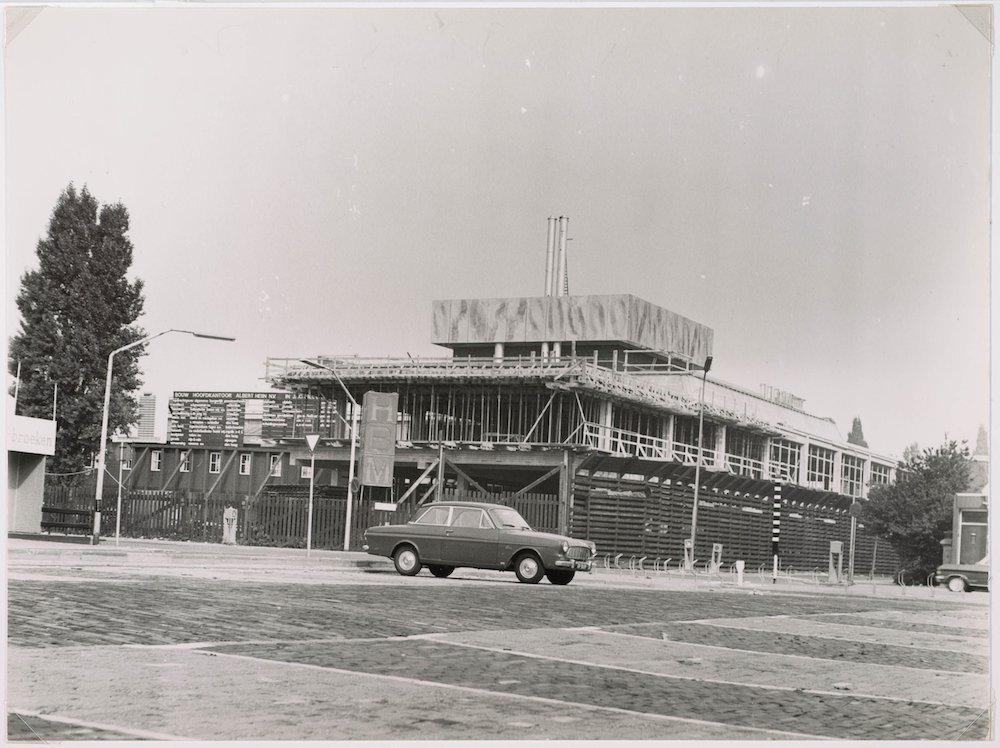 Dak van AH-toren in aanbouw in augustus 1970 2212372