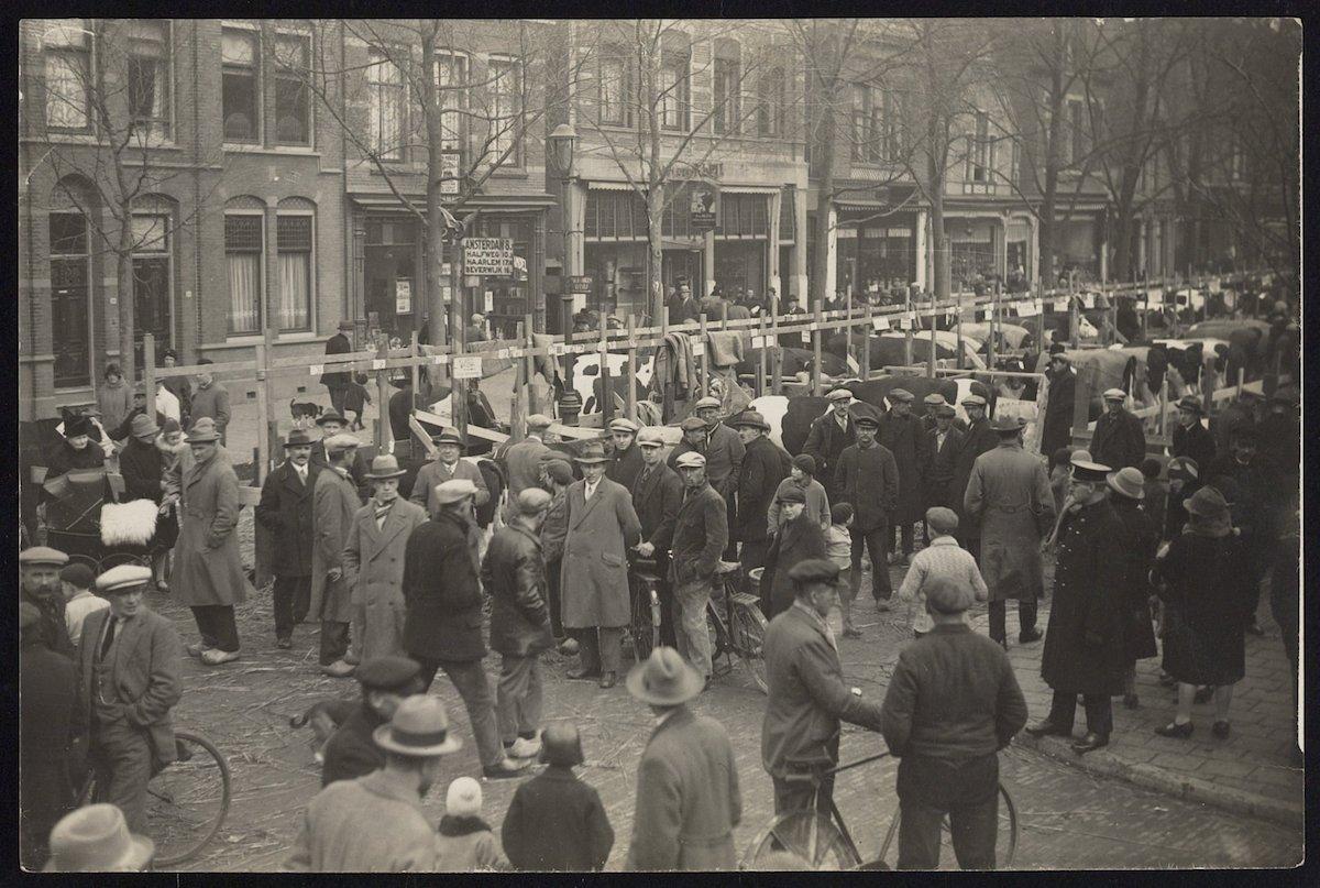Paasveemarkt Gedempte Gracht anno 1929 21.47997