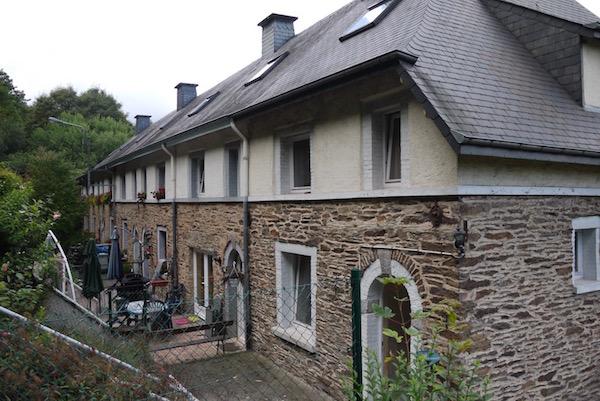 In 2010 reed ik tijdens een bezoekje aan de Ardennen naar de Périmino. Het straatje was weinig veranderd, maar niemand herinnerde zich de familie Maizières nog.