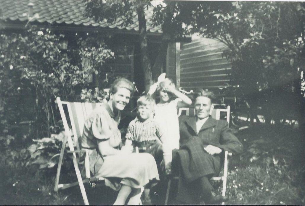 Annie-en-Jan-Zaaijer-met-hun-kinderen-rond-1940-collectie-Ron-1-1030x694