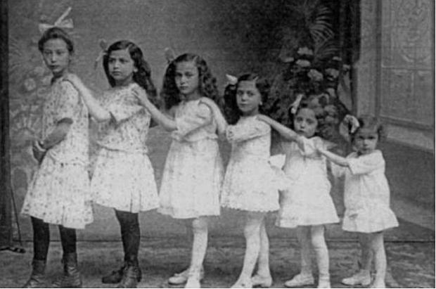 Irma-Flora-Hertha-Paula-Grethel-en-Ruth-Speier-in-Fritzlar-rond-1920