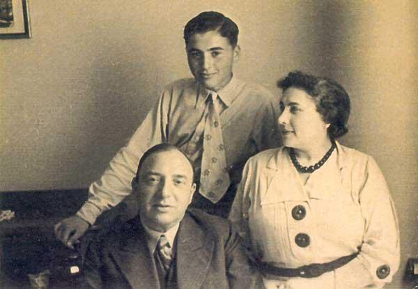 Karel-Fonteijn-met-zijn-ouders