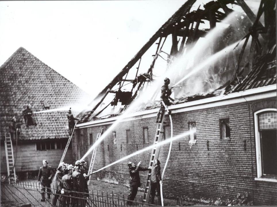 Vlusch 37 brandweer in actie