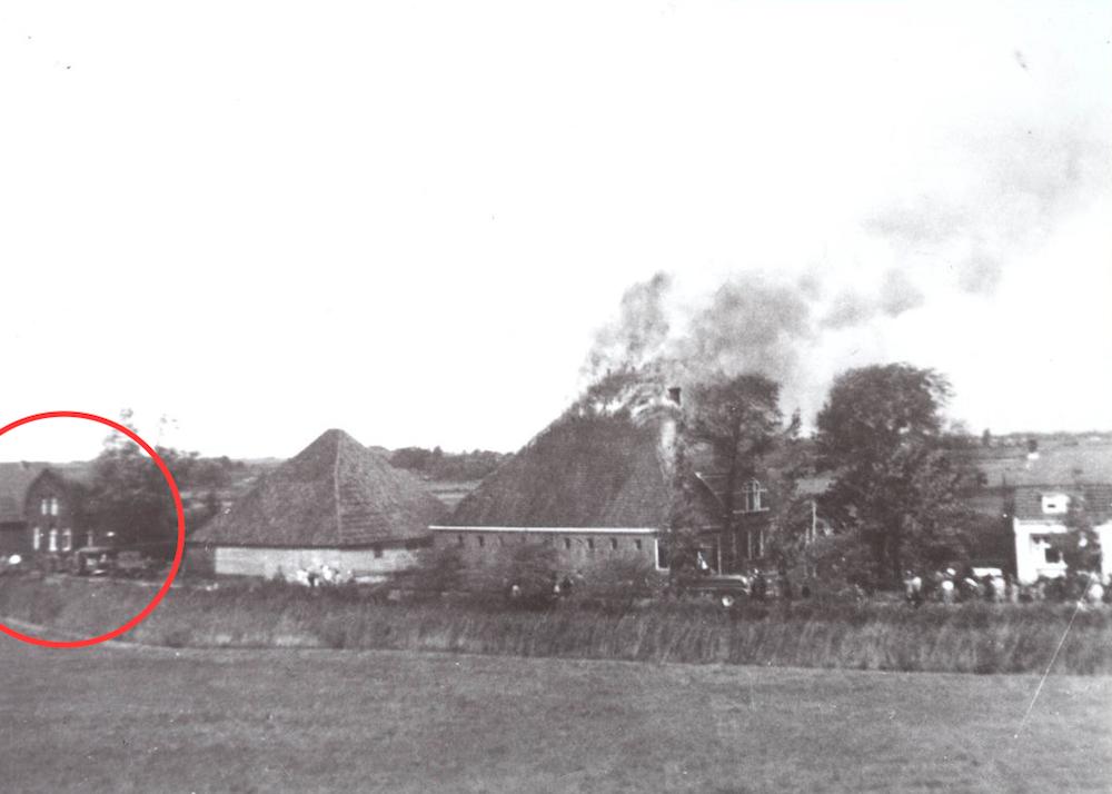 Vlusch met huisje links 1961
