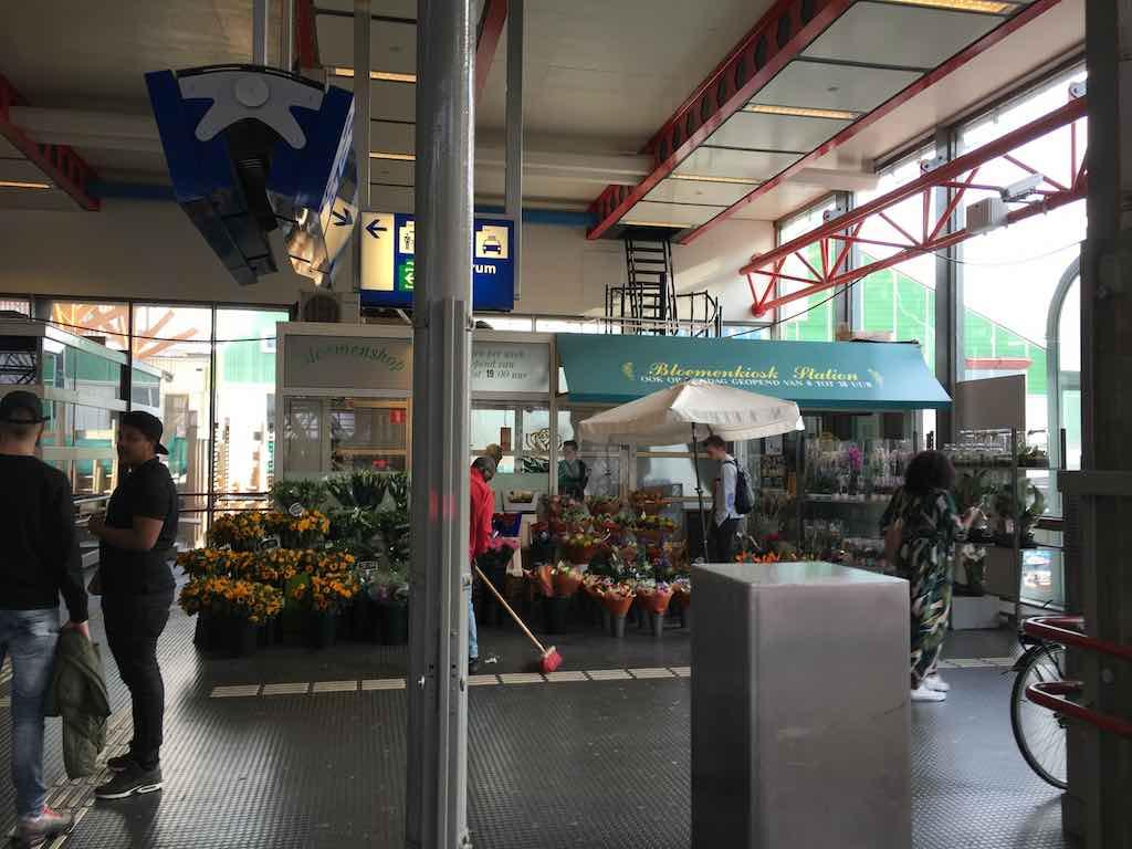 Onwijs Bloemenkiosk en Smullers verhuizen in mei | De Orkaan SN-62