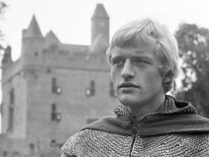 Opname van de Jeugdserie Floris door de NTS op kasteel Doornenburg in de Betuwe. De titelrol Floris van Rosemondt wordt gespeeld door Rutger Hauer *19 september 1968