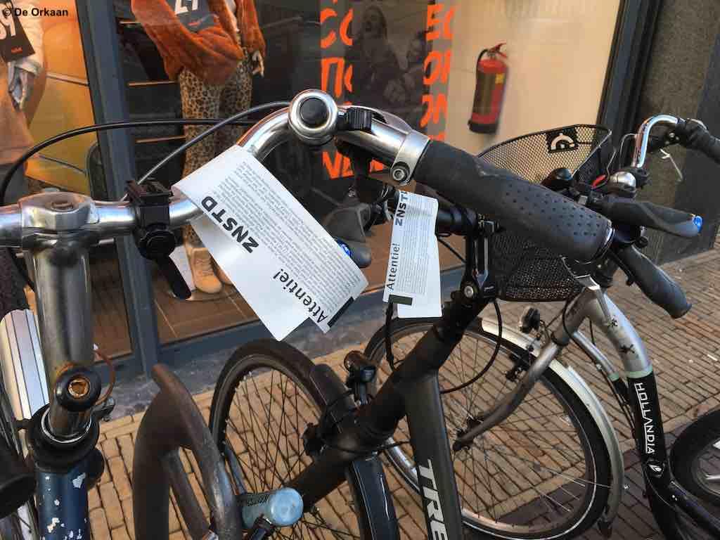 fietsers stickers parkeerverbod rustenburg nov 2019 orkaan