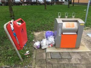 afvalbak plastic eiland jan 2020 orkaan