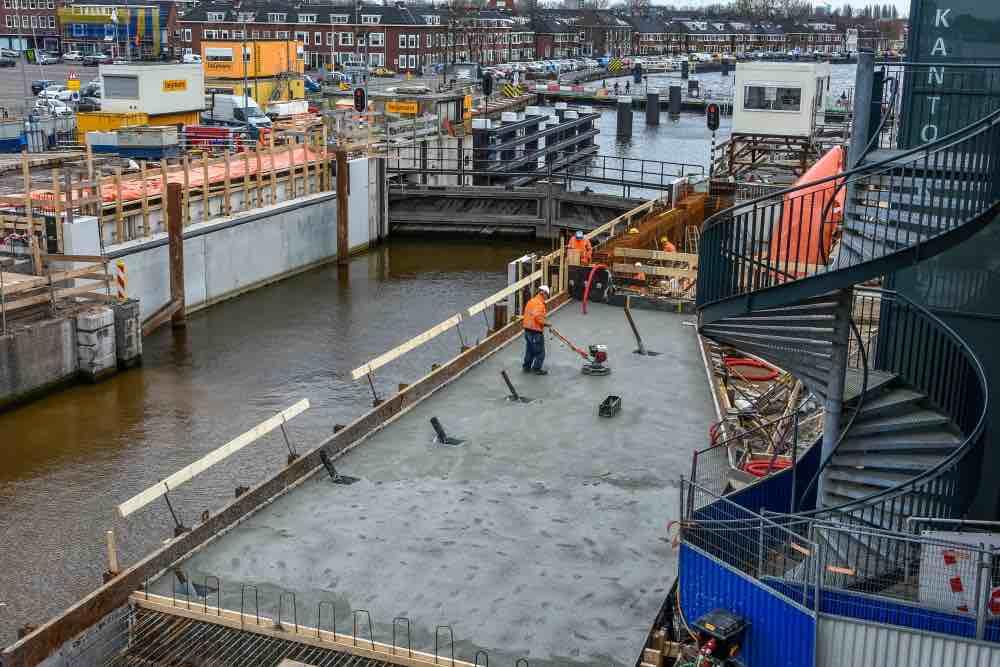 Nieuwe betonnen vloer wilhelminasluis