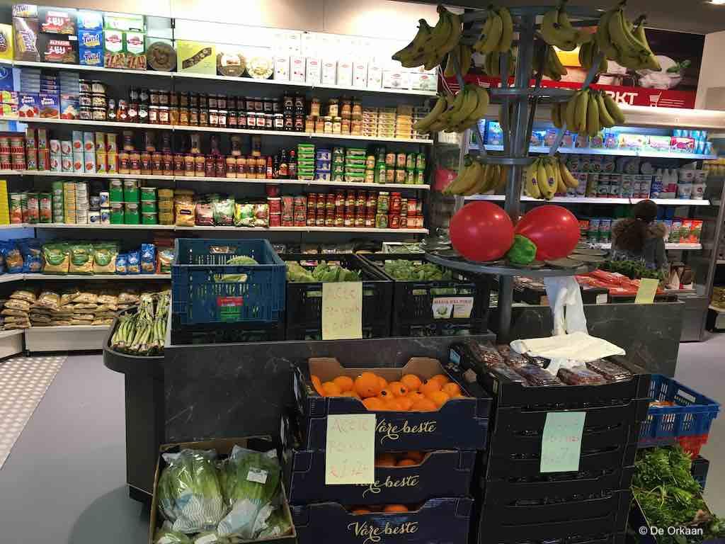 familie markt binnen open westzijde feb 2020 orkaan