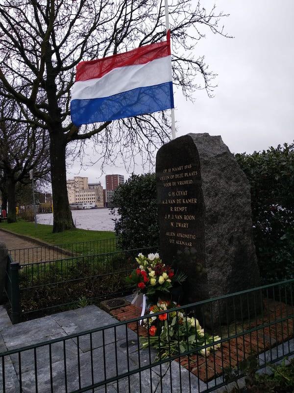 bernardbrug monument joost weemhof