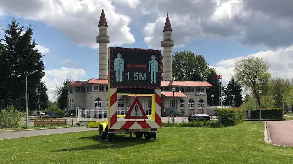 anderhalve meter moskee
