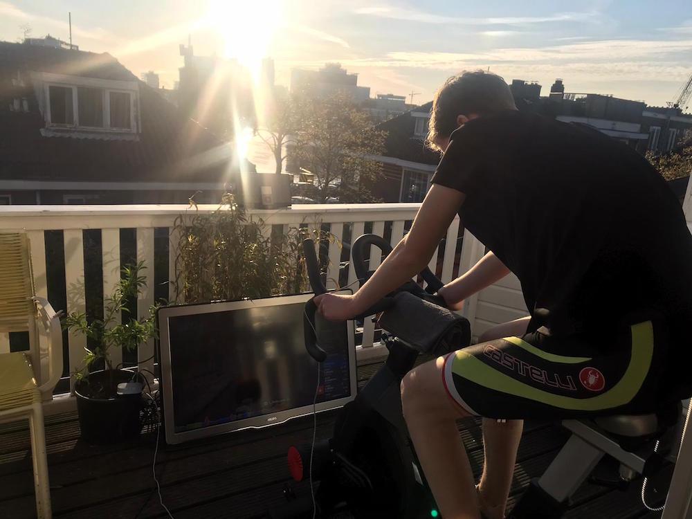 wielrenner balkon corona